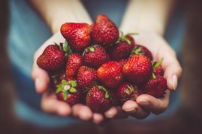 strawberries unsplast photo-146445470913