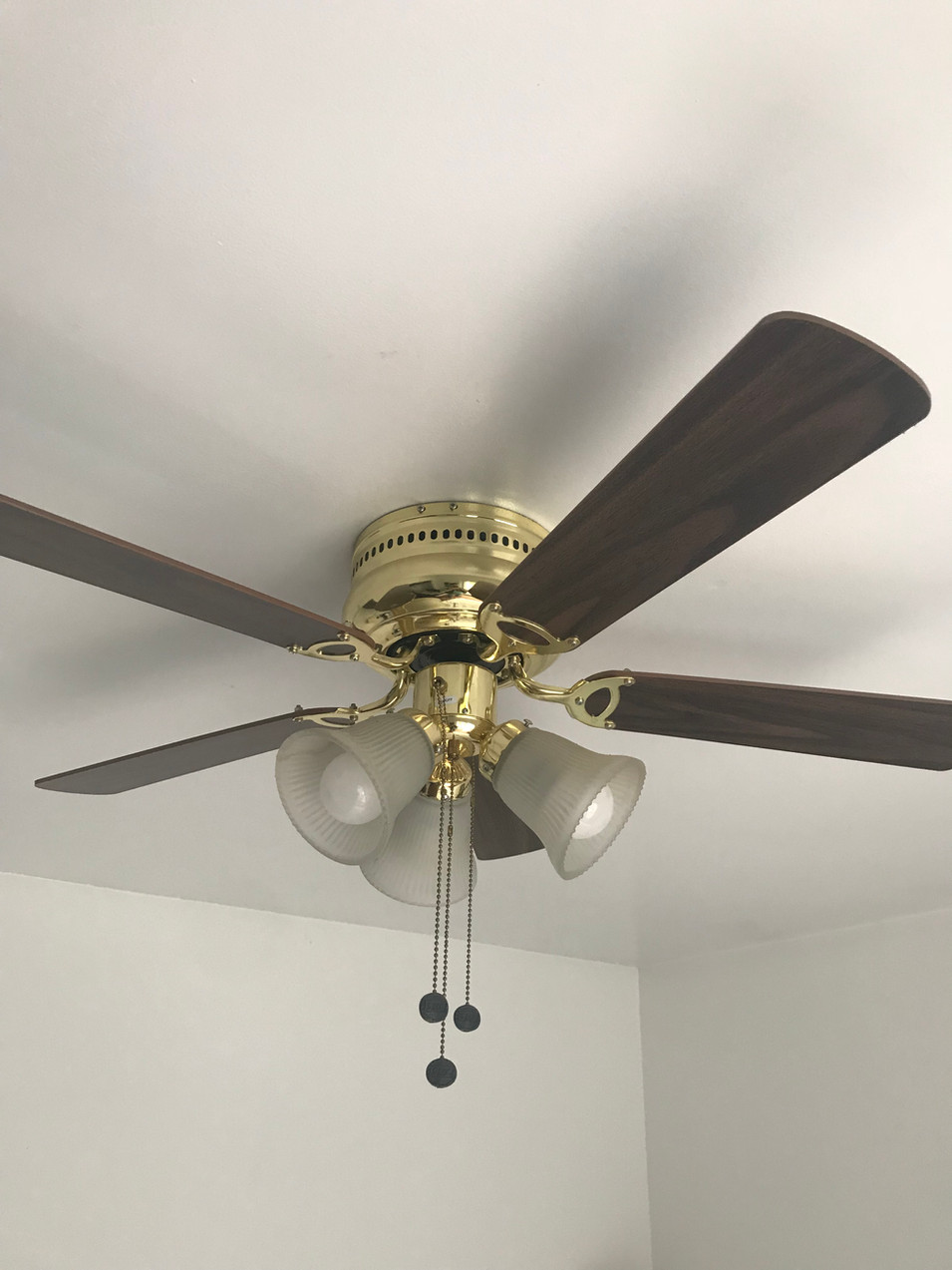 Old 1980's ceiling fan.
