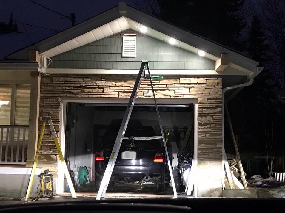 Cedar Shake installation.