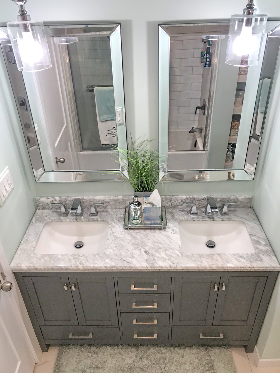 Mirrors, lighting and accessories.