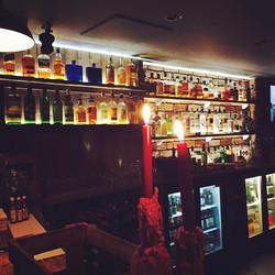Love our new back bar #Victorianpine #masonry #bricks