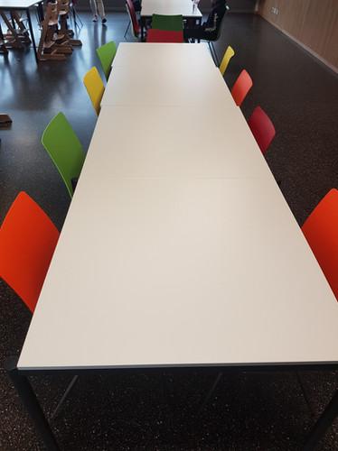 Tisch Mensa