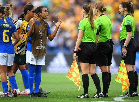 Brasil perde para a Austrália de virada na Copa do Mundo