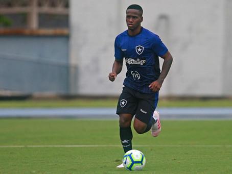 Lateral-esquerdo Jonathan, do Botafogo, é vendido ao Almería (ESP)