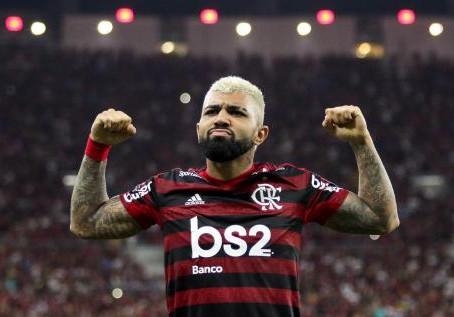 Confira os 10 clubes que mais levaram gols de Gabigol e as marcas do artilheiro com apenas 23 anos