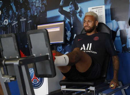 Comitiva de dirigentes do Barcelona viaja à França para contratar Neymar