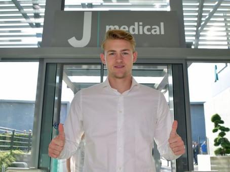 Juventus anuncia contratação do zagueiro holandês De Ligt
