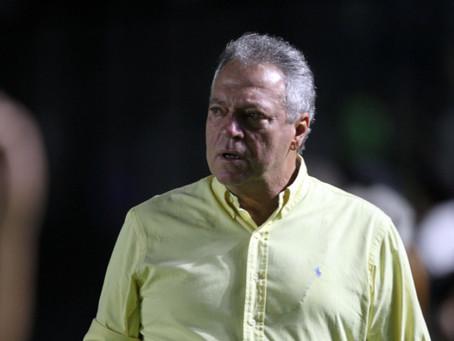 Com São Januário lotado, Vasco tem duas derrotas no mesmo jogo