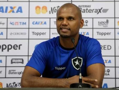 Ídolo do Botafogo diz que pretende voltar ao clube e avalia chegada de Honda; saiba os detalhes