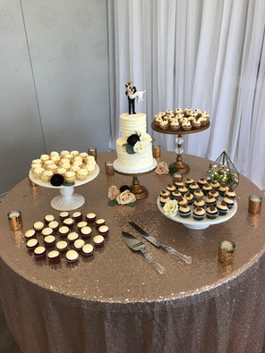 Mini Cake and Cupcakes