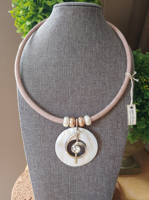 Mother of pearl pendant baby pink cork