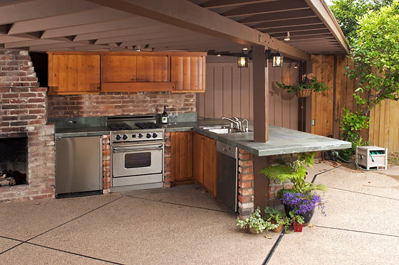 Outdoor modern kitchen that has been fre