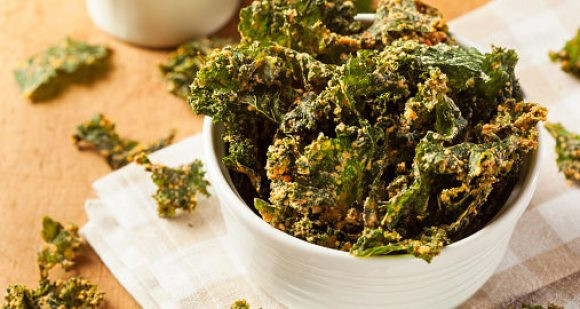 Quick Appetizers for Parties People Rave About Crunchy Kale Chips