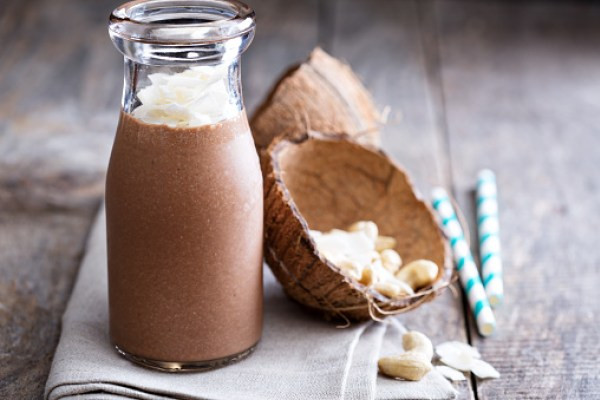 low fat chocolate coconut smoothie