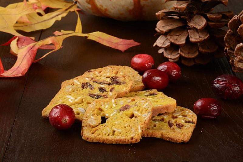 pumpkin-cranberry-crackers