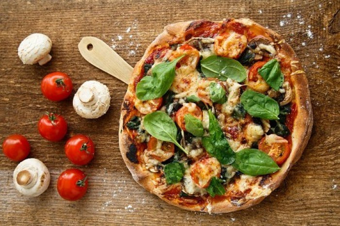 Low-Carb-Cauliflower-Crust-Pizza healthy meals