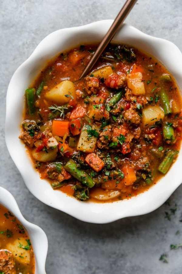 Bowl of Slow Cooker Healthy Hamburger Soup