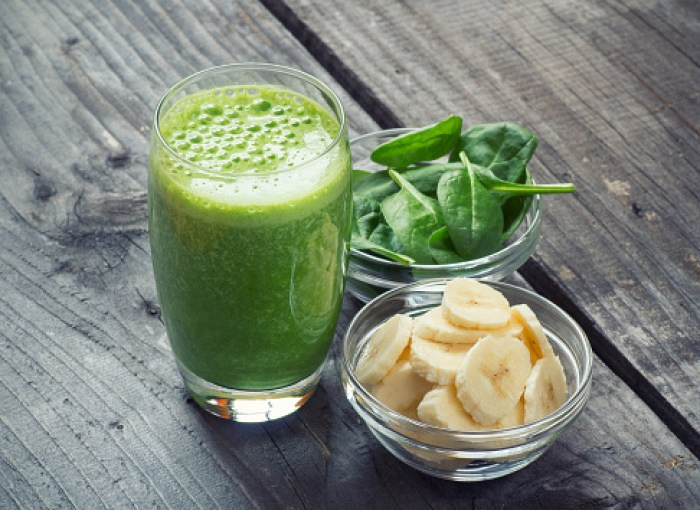 PB berry green smoothie healthy snacks
