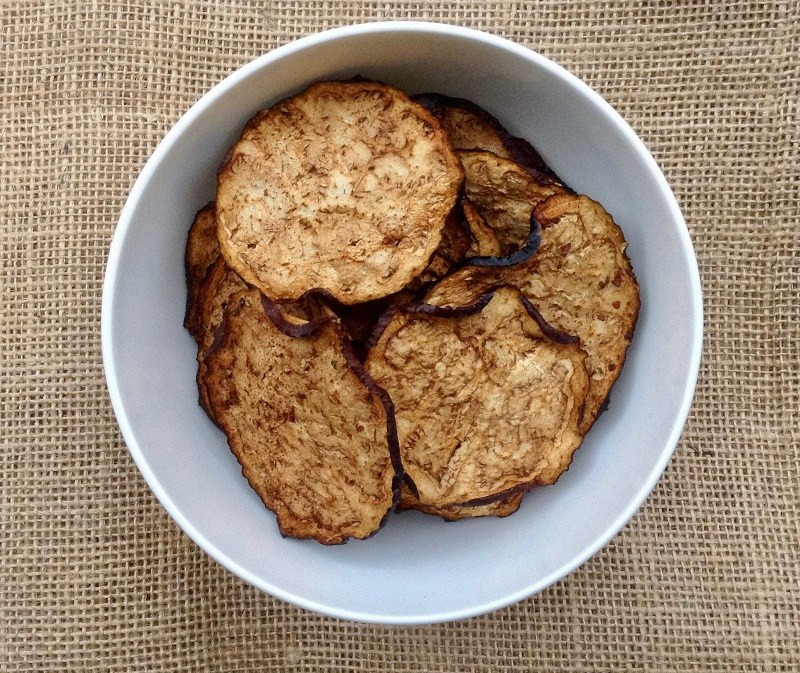 healthy dehydrated eggplant chips