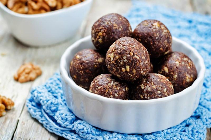 chocolate-cherry-bliss-balls