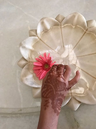 Hand flower mendhi_edited.jpg