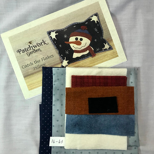 """Patchwork Garden """"Catch the Flakes"""" Pillow Kit"""