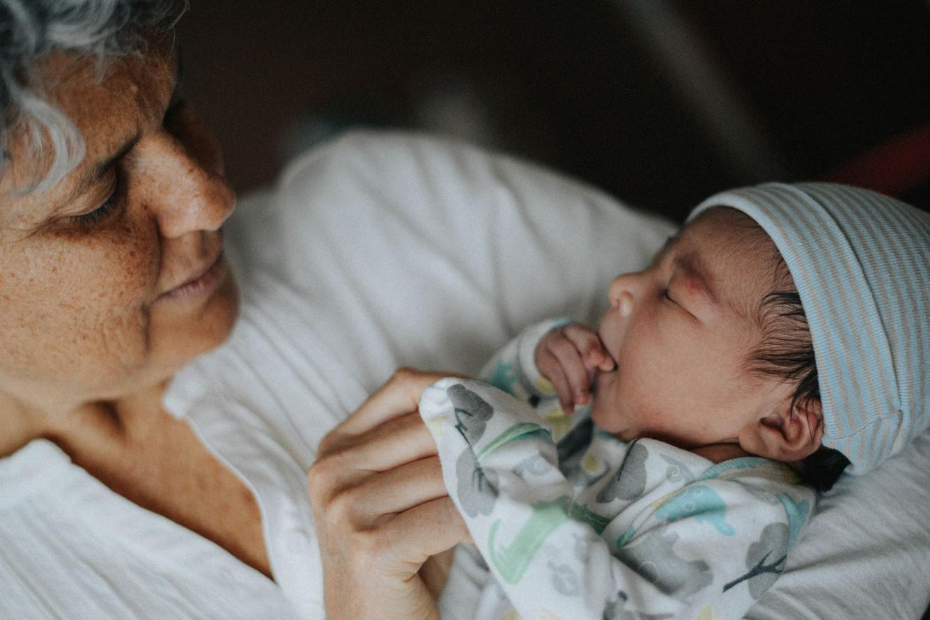 Lugano maternity newborn photographer (8