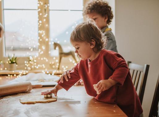 Lugano family photographer   Holiday cookie baking