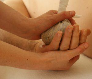 massage-389717_1280-e1467823738751-300x2
