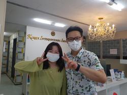 Principal with top student Kim Yuhyeon