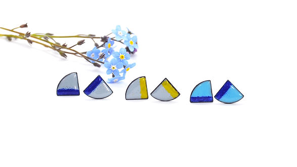 Blue-grey-yellow-fan-stud-earrings-ename