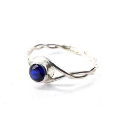 Sapphire-blue-silver-twist-ring-300dpi.j