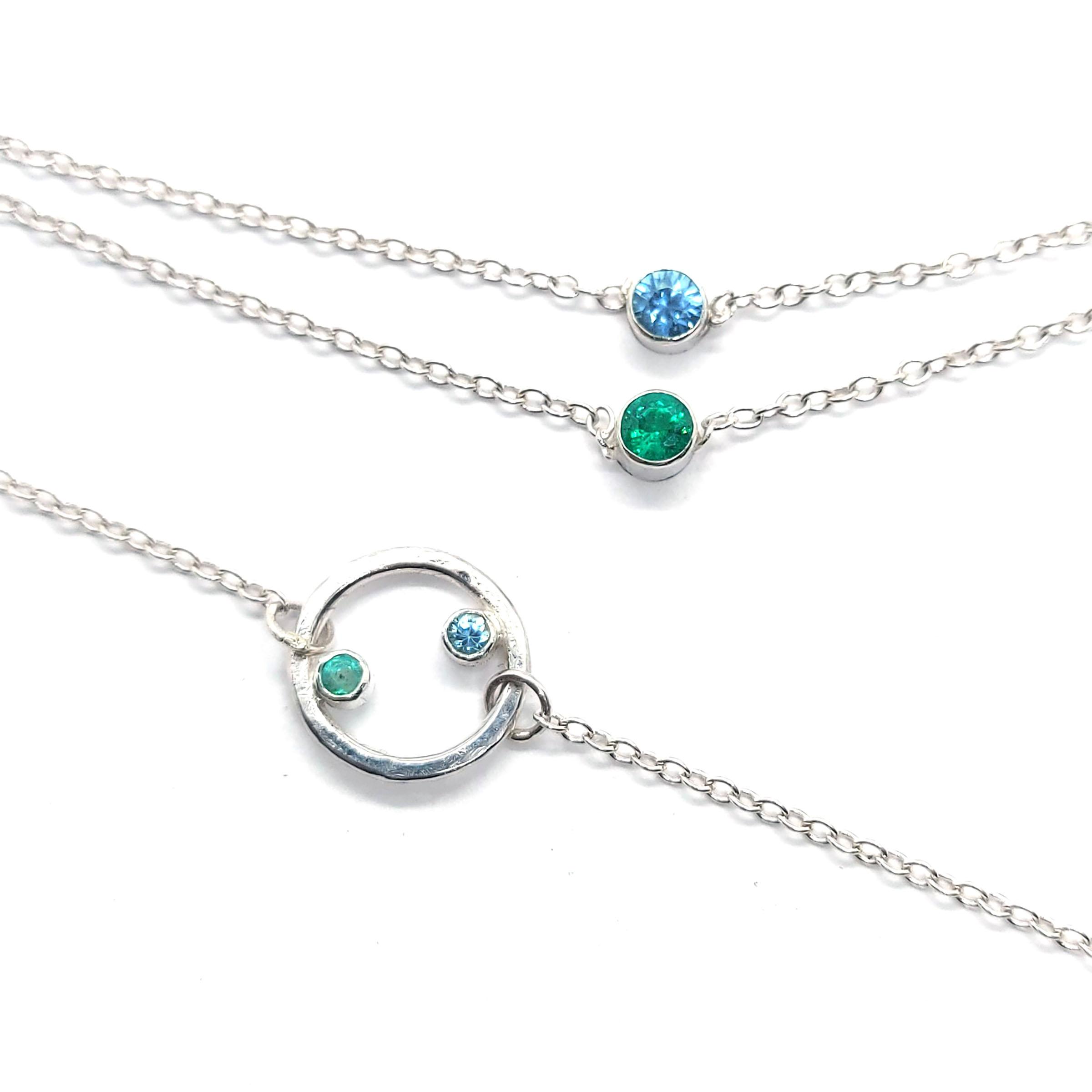 Circle-bracelet-silver-blue-zircon-emera