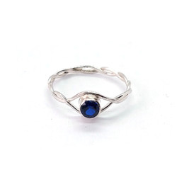 Sapphire-blue-silver-twist-ring-300dpi-6