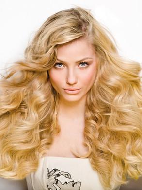 Veronika_haarverlängerung_blond.jpg