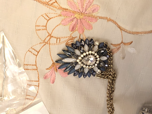 Costume Jewelry - Necklace, blue and white stone