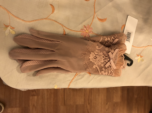 Blush Victorian Gloves