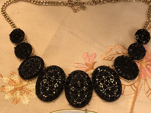 Costume Jewelry - Necklace, large black stones