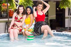 Models Sarie, Tara, & Sara