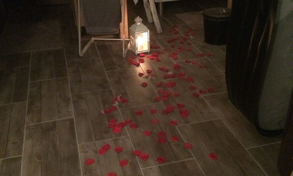 Supplément romantique simple ( pétales/bougies)