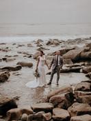 intimate-modern-romantic-wedding-celebra