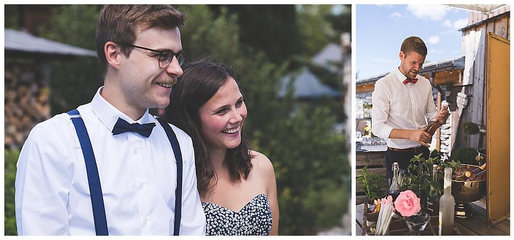 Gäste an der Hochzeit strahlen
