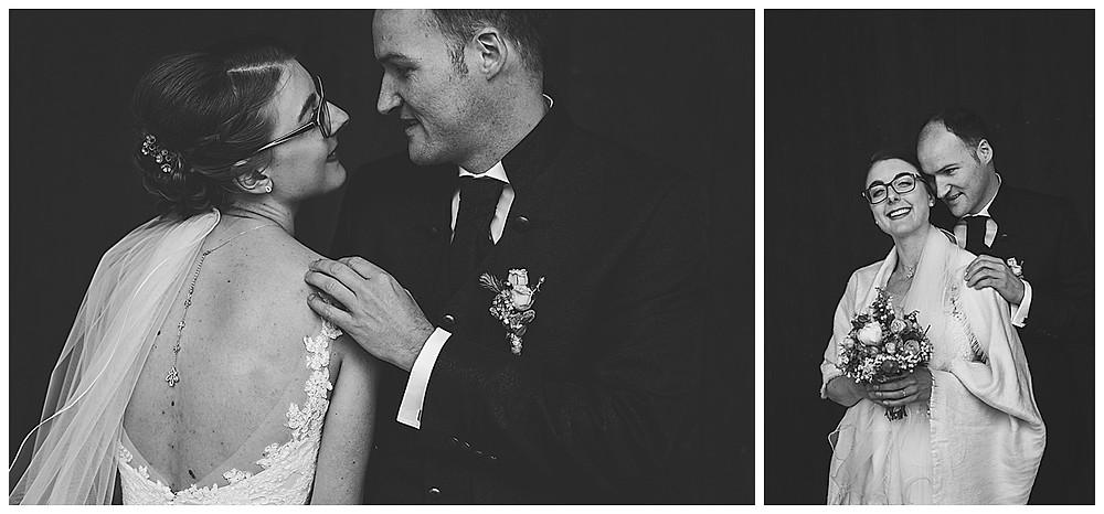 Brautpaarshoot stehend schwarz weiß