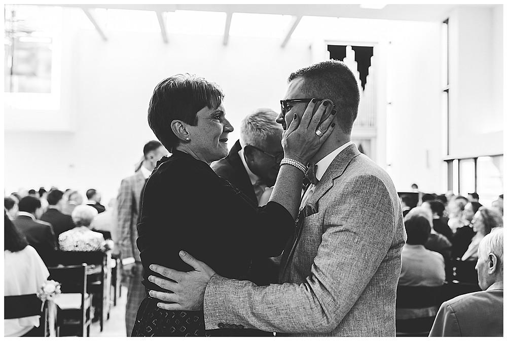 Mama gratuliert Bräutigam heiraten in Stuttgart