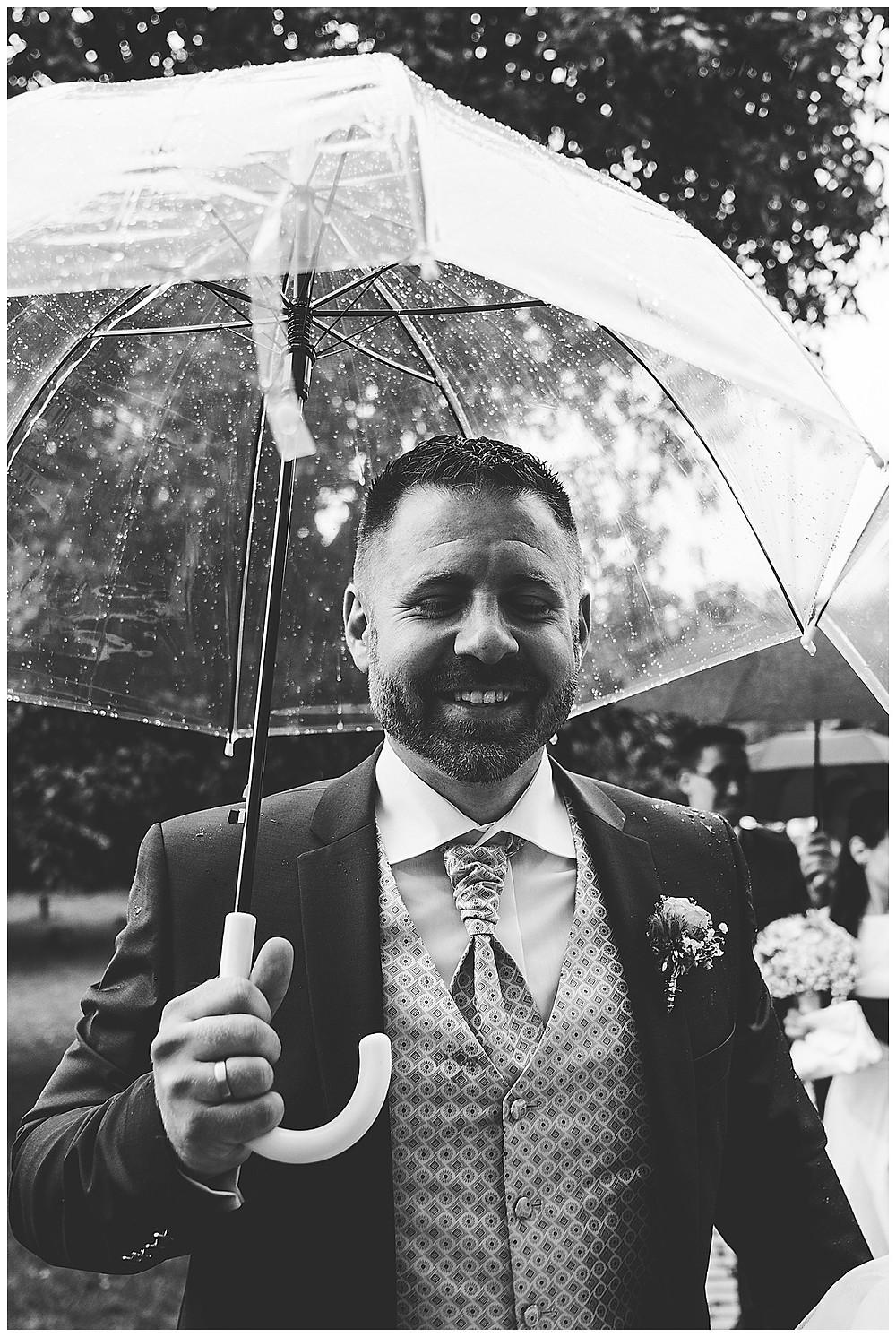 Hochzeitsfotograf Heidenheim Regenschirm