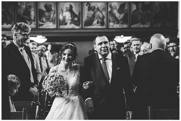 Hochzeitsfotograf-Ulm-kirche-Scharenstet