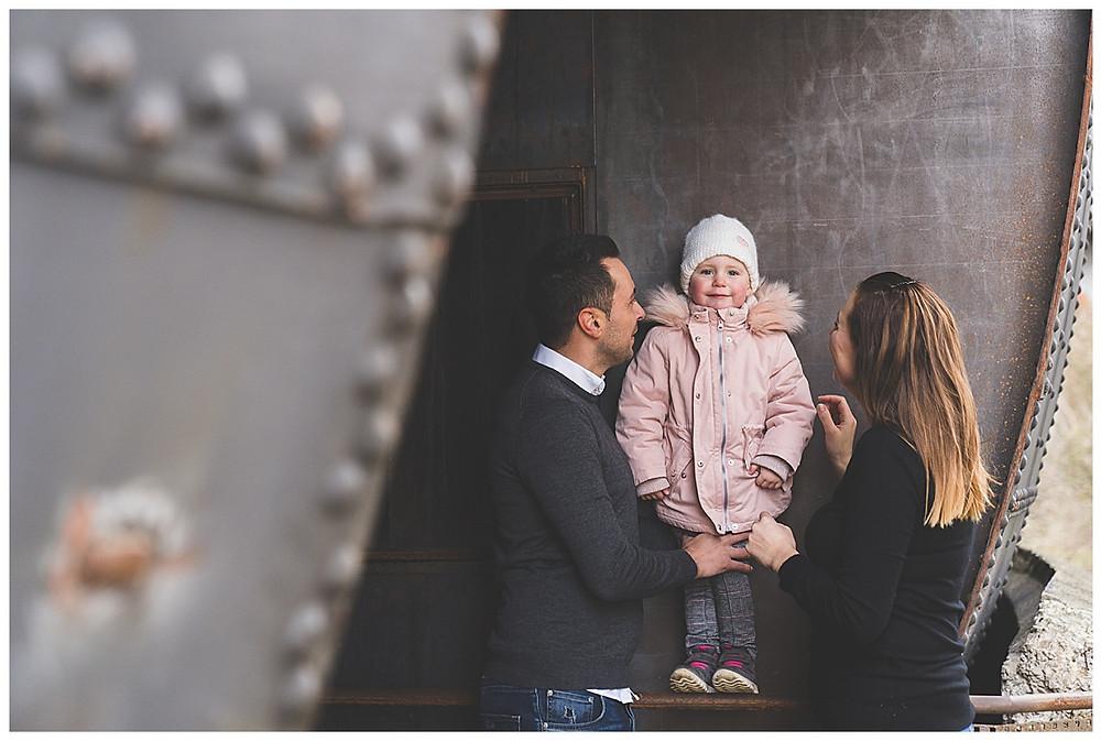 Familie im Gaswerk in Augsburg Familienshooting