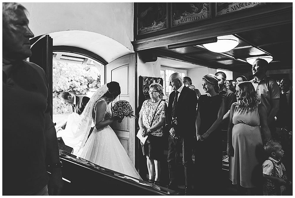 Braut mit Papa Einzug Kirche Schelklingen