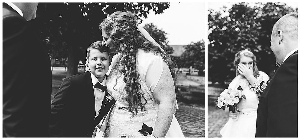 Braut küsst Sohn und weint