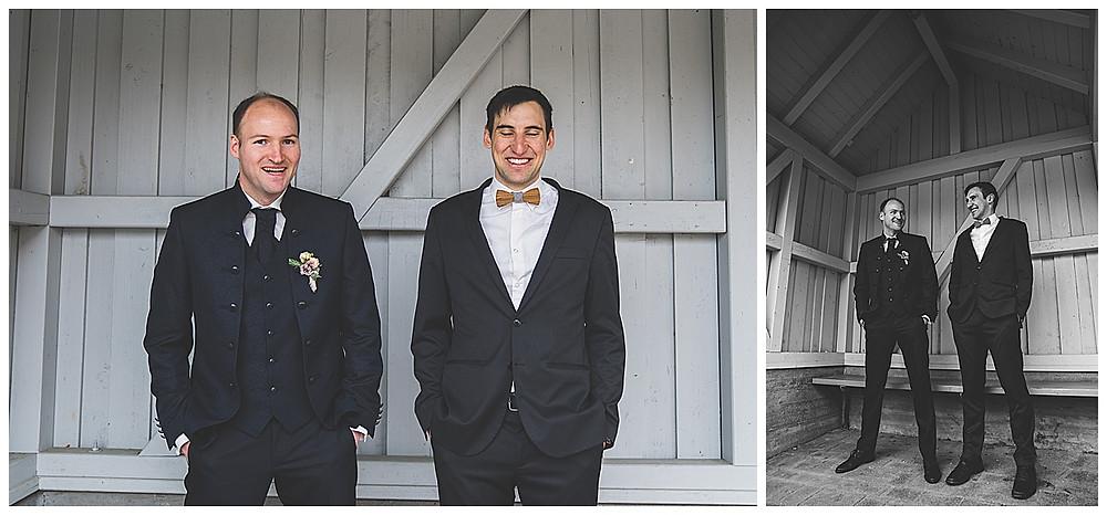 Trauzeuge und Bräutigam lachend